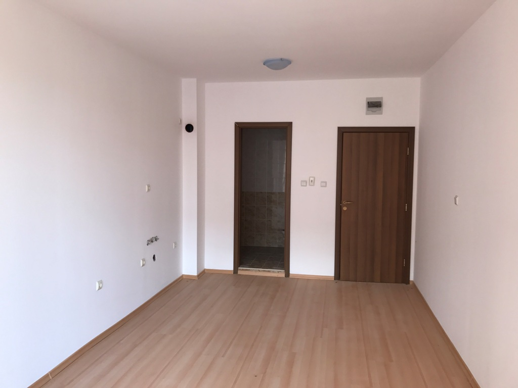 RL-2426 Apartment for Sale in Burgas, Sunny Beach Resort - € 14,500