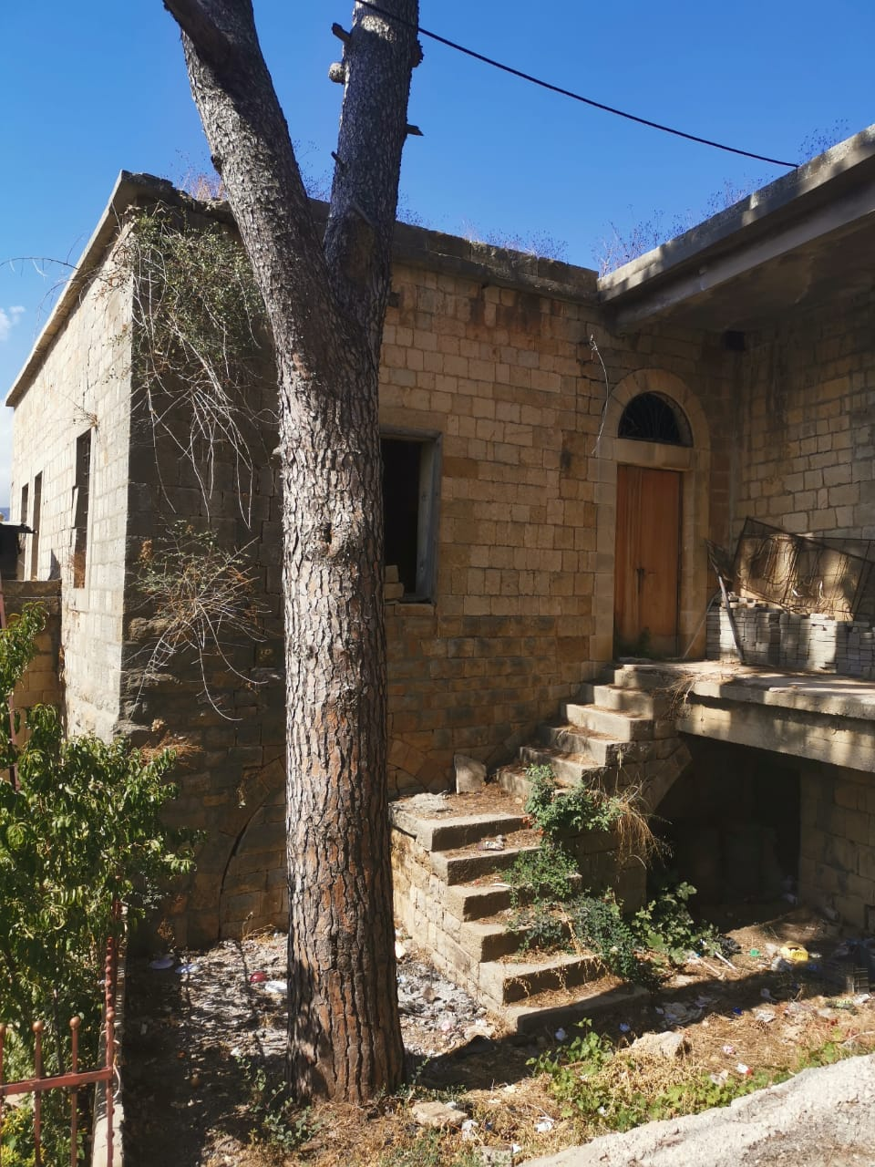 Old Stone House with garden for sale in Salima Baabda