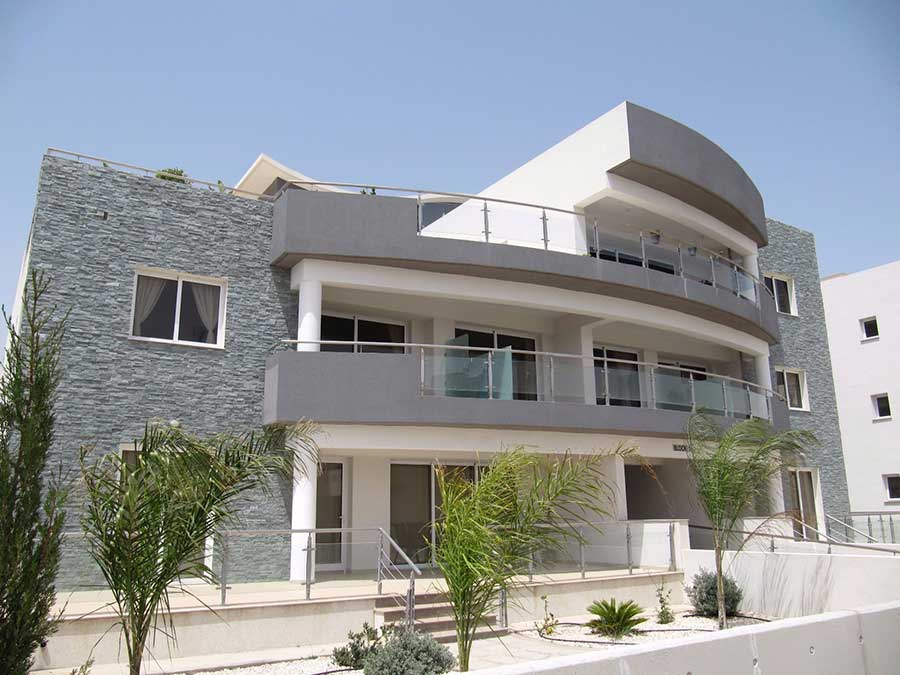 Flat for sale in cyprus larnaca 2 bedrooms for 175000 euros for Modern house lebanon