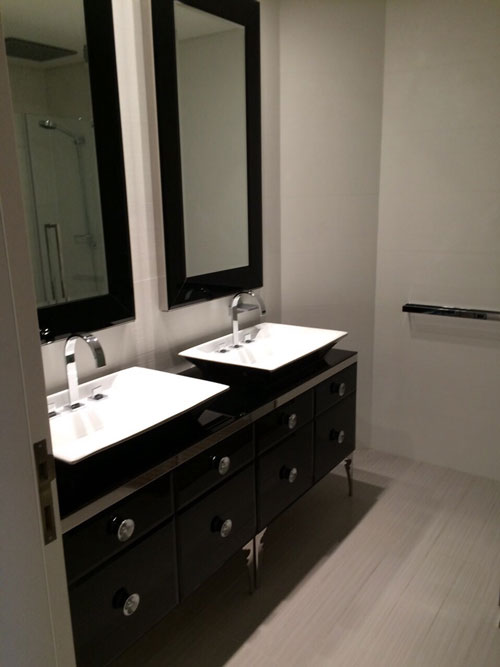 rl 1365 apartment for sale in beirut ain el mraiseh 10000000 - Bathroom Cabinets Beirut Lebanon