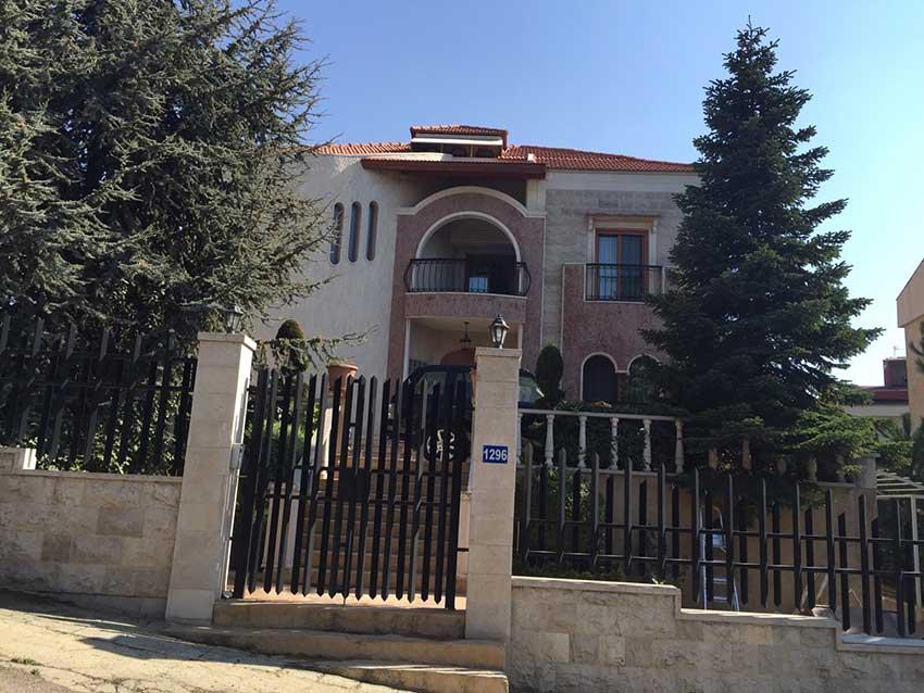 Rl 1951 villa for sale in keserwan rayfoun 2 000 000 lebanesemall - Libanese villa ...