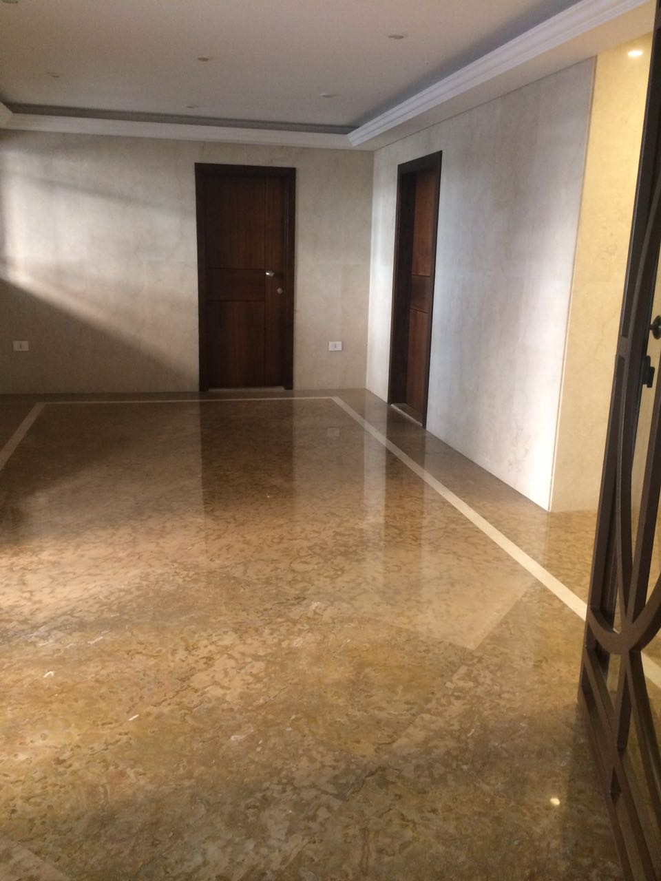 Apartment for sale in verdun beirut lebanon, buy sell properties in verdun beirut lebanon, real estate in lebanon