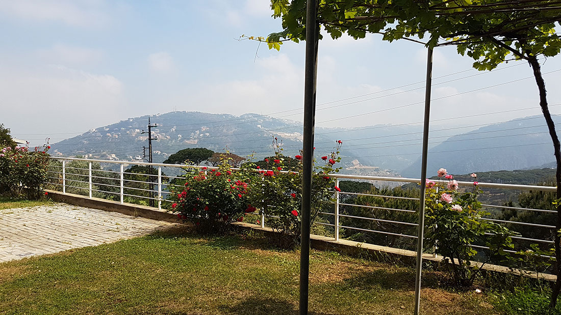 RL-2275 Villa for Sale in Baabda, Arayia - $ 0