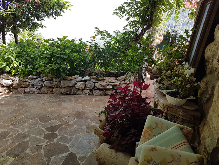 Old house - restaurant for sale in Ghazir Lebanon, real estate in ghazir, buy sell properties in ghazir keserwan