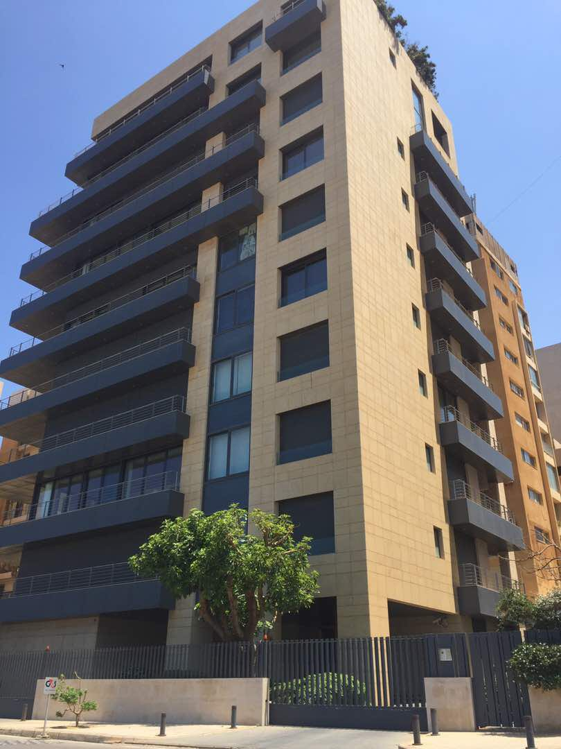 Luxury apartment for rent in Ramlet el Baida, Beirut, real estate in Beirut