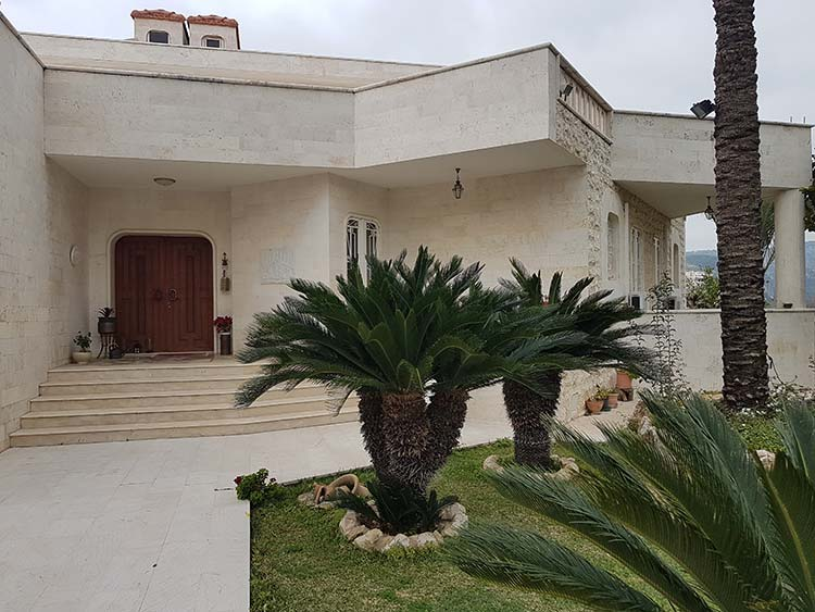 A beautifull villa is for sale in Gherfine, Amchit, Jbeil area, buy sell properties in Gherfine, real estate in ACGherfine