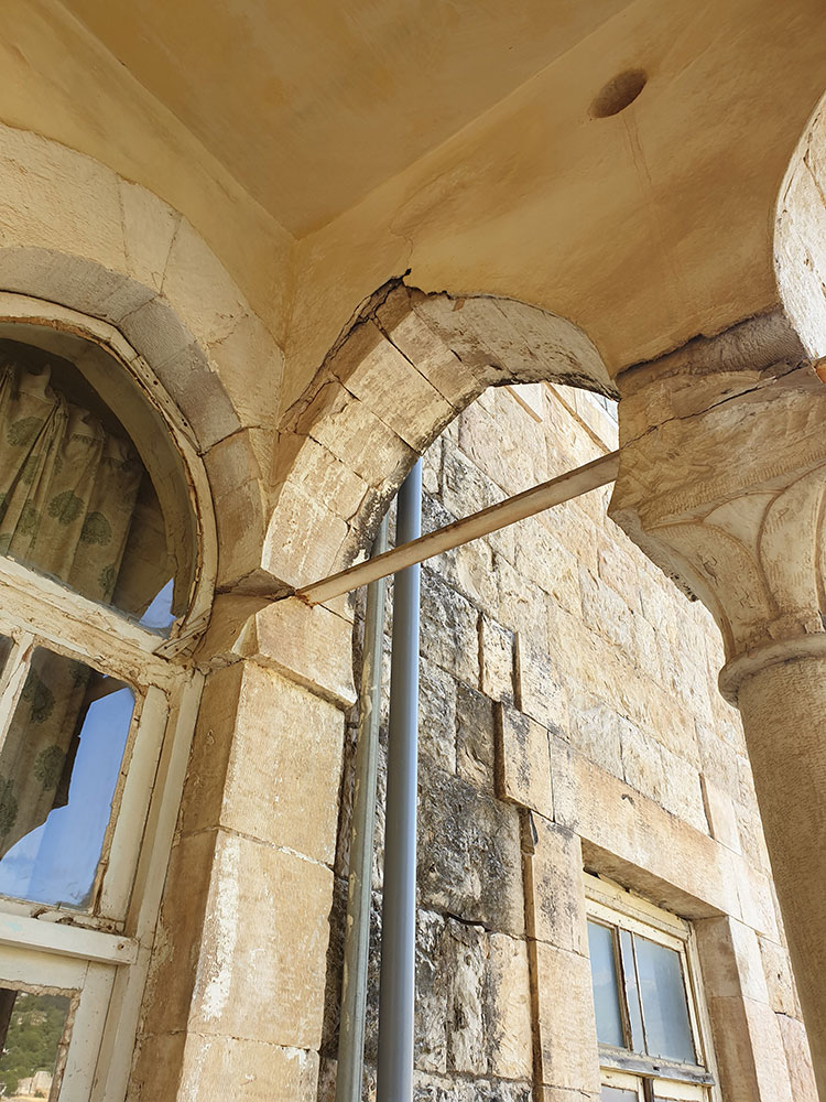 An amazing old traditional house villa for sale in jezzine area, real estate in jezzine, buy sell properties in jezzine