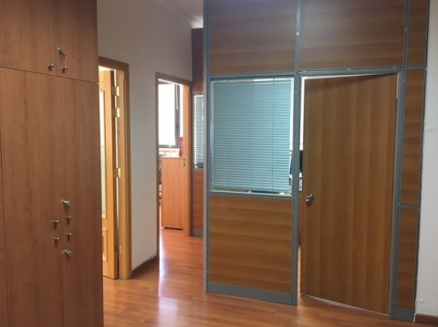 office for sale in Beirut Ashrafieh Cornish el Nahr, real estate in Beirut Ashrafieh